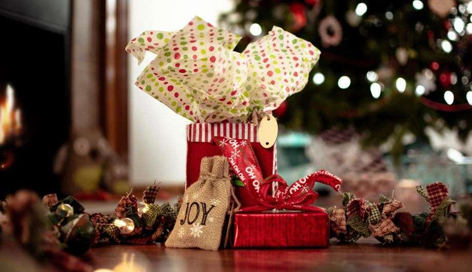 Celebrating Christmas: 5 Lovely Gift Ideas for Your Best Friend